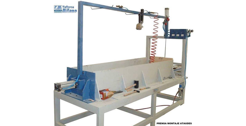 Prensa de montaje para fabricacion de ataudes a la venta para el tratado y procesado de madera de fabricación propia en Valencia España