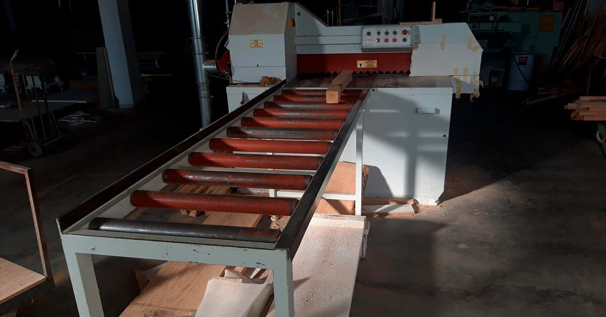 Máquina de Segunda mano para cortar tablas y tablones de madera